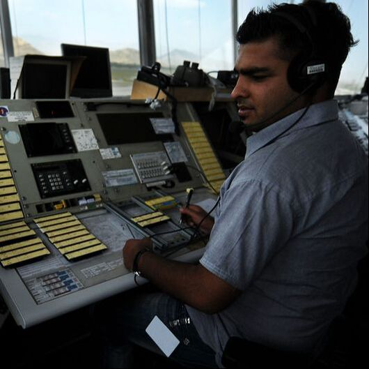 Image: English for Work - Aviation - Air Traffic Controller
